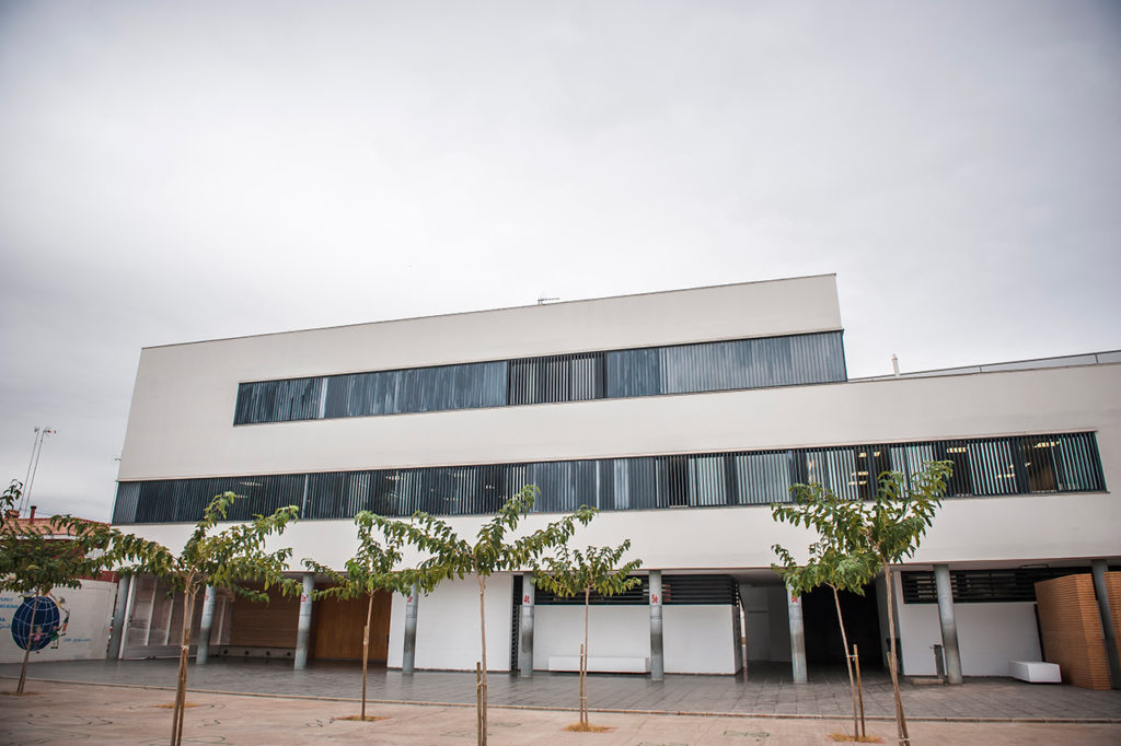 Vista del edificio principal del centro.
