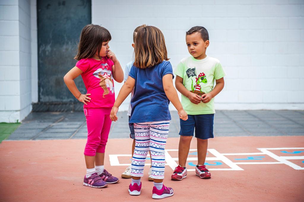 Niños en el recreo.